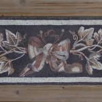 """""""Tralcio di vite"""", copia reinterpretata di un mosaico romano (Aquileia, I° sec. a.C.), 2013-2014. 165 x 75 cm. Foto di Omar Akkad"""