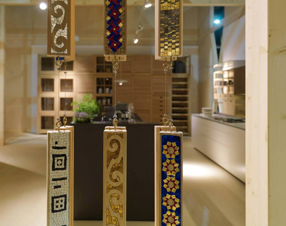 Furnishing accessories and design objects made with mosaic