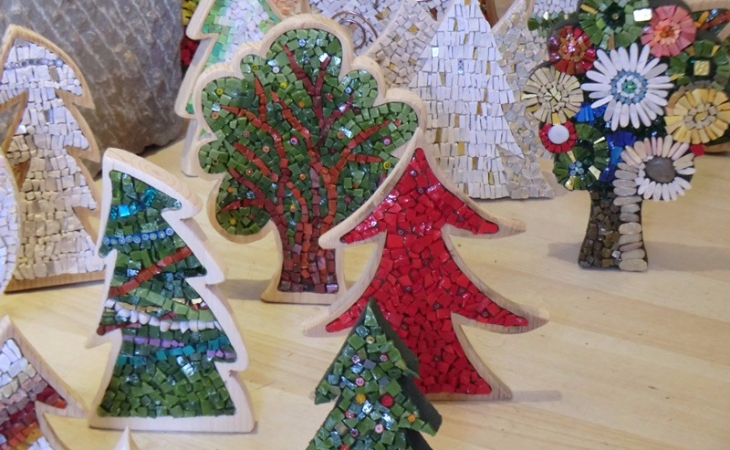 Christmas trees made with mosaic