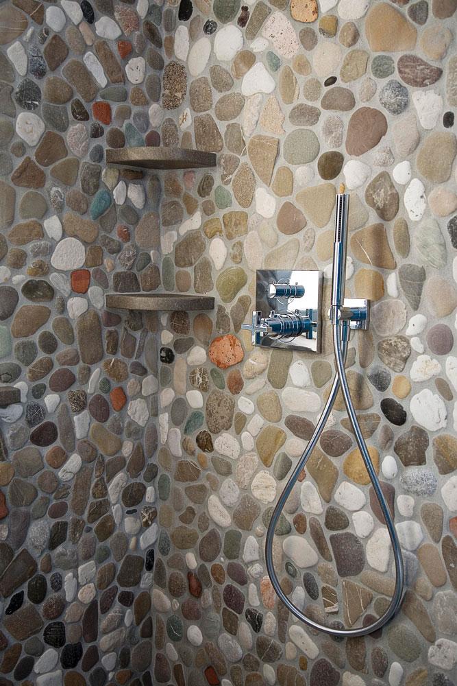 Cheap doccia di sassi di fiume casa privata udine foto di - Piastrelle bagno mosaico doccia ...
