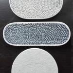 """""""Piatti"""" serie bianco e nero, design forme Simone Bonanni, design e produzione mosaico Carraro Chabarik, 2018. Ceramica e marmi."""