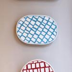"""""""Piatti"""" serie ispirata a Carlo Scarpa, design forme Simone Bonanni, design e produzione mosaico Carraro Chabarik, 2018. Ceramica e smalti veneziani."""