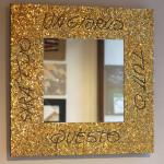 """""""Un giorno tutto questo sarà tuo"""", specchio design Beppe Rocco, 2016. 70 x 70 cm. Ori veneziani e lamina di piombo"""