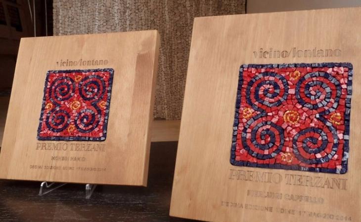 mosaici per le targhe del premio Terzani, festival Vicino Lontano