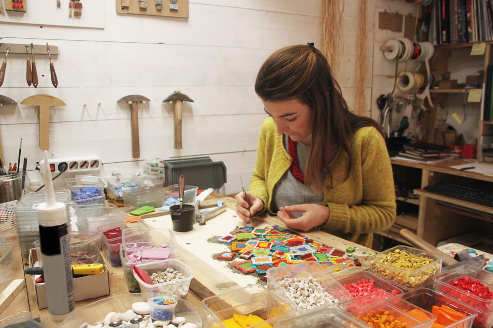 Eleonora Zannier collaboratrice Carraro Chabarik mosaicista professionista scuola di Spilimbergo