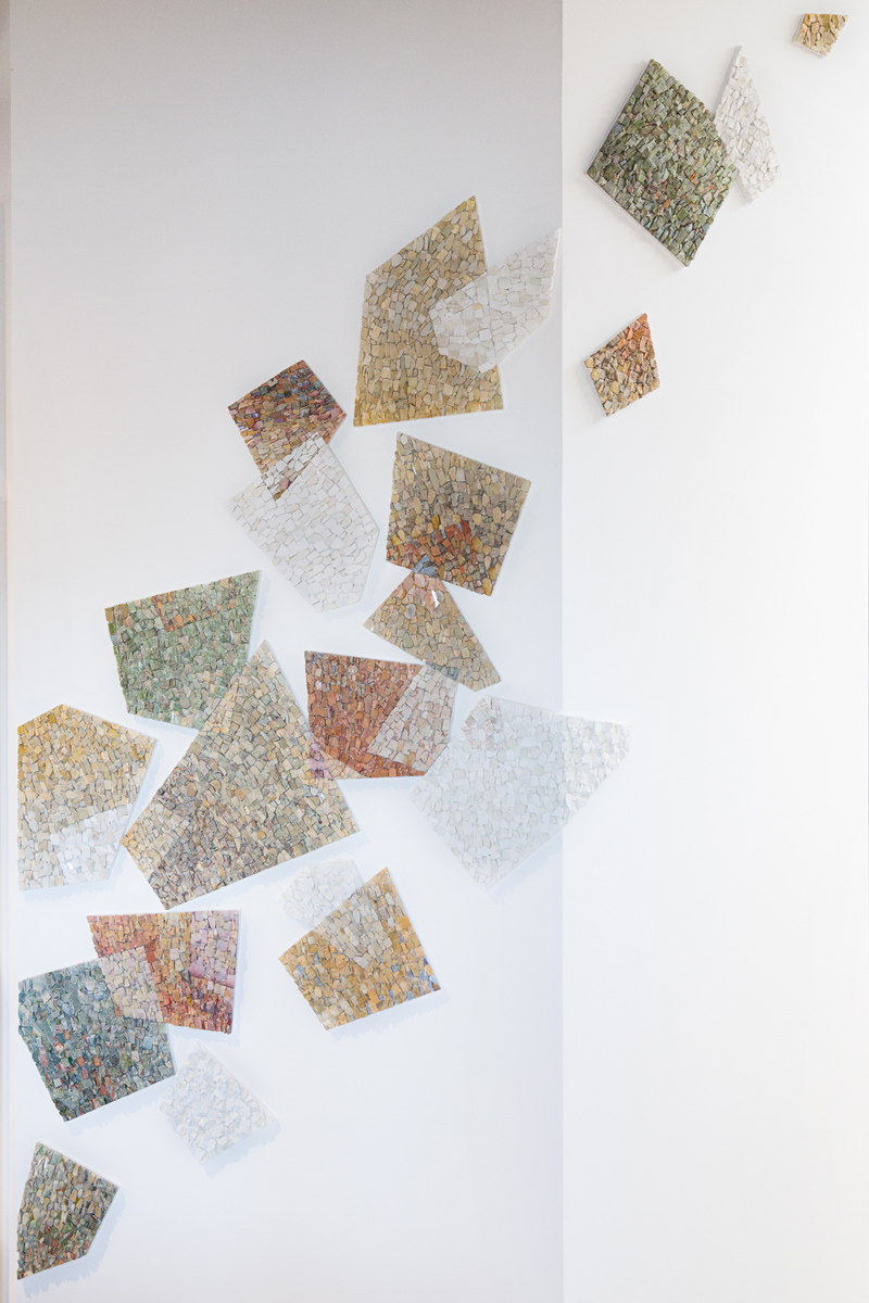 mosaici senza cornice nel contesto di arredamento di una casa