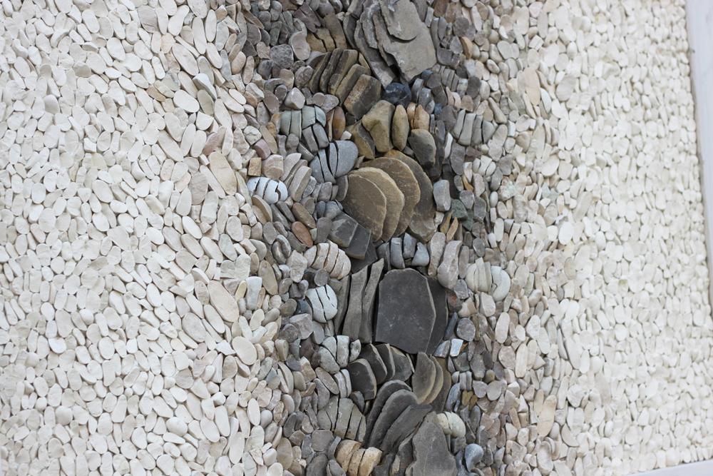mostra mosaico contemporaneo con sassi